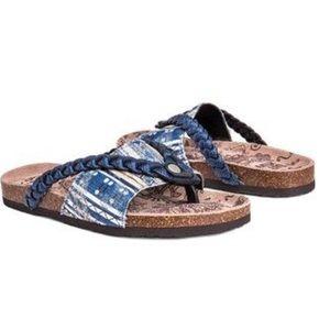 Muk Luks Elaine Flip Flops Sandals Shoes